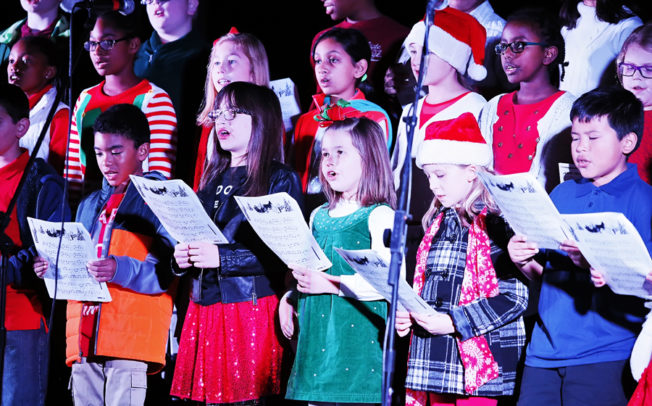 Caroling to Christmas