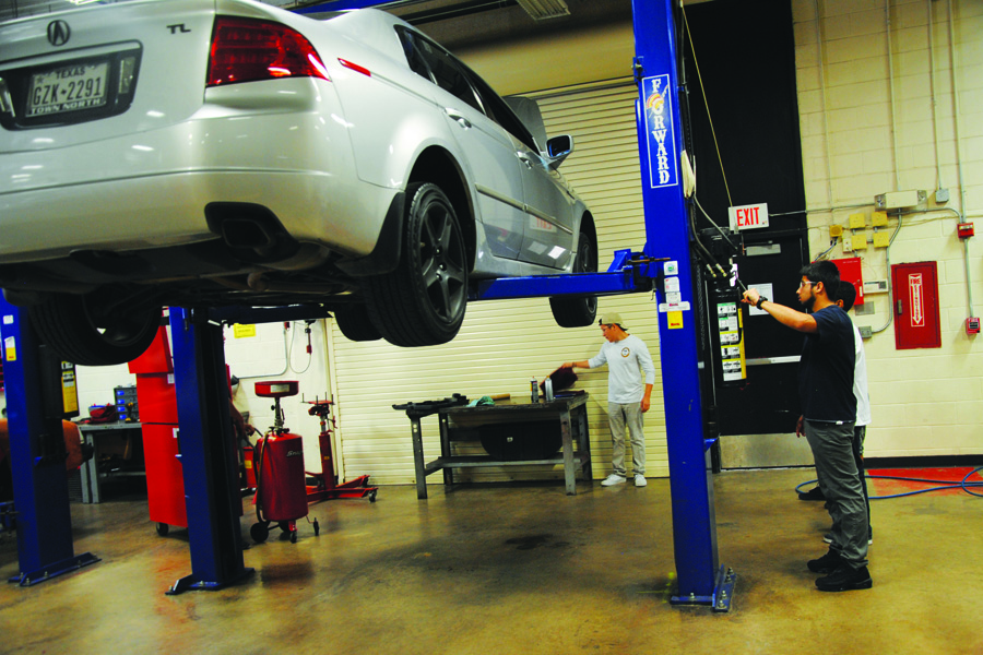 Students get hands-on experience in automotive program