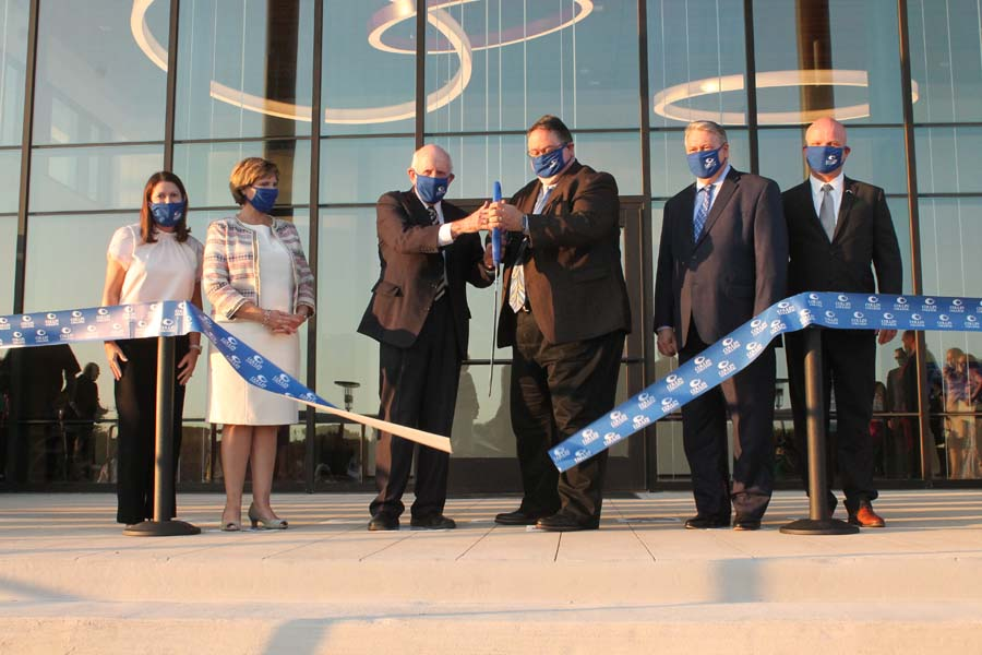 Collin College cuts ribbon on Wylie Campus