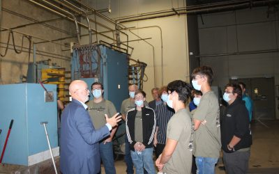 Students learn about manufacturing